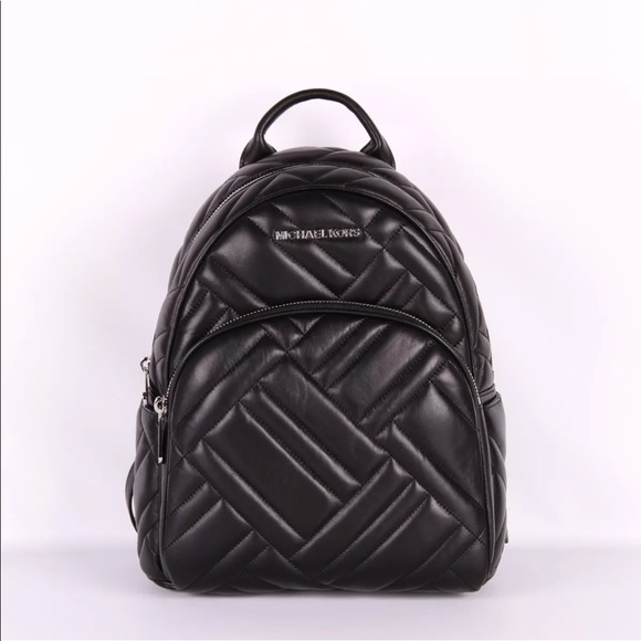 d367b4ae483c Michael kors Abbey medium Quilted leather backpack